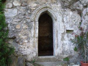 Kláštor - Vchod Do Jaskyne A Kaplnky