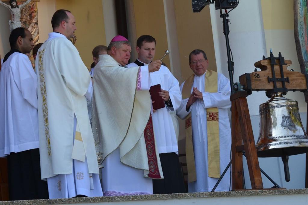 Požehnanie nového zvona sv. Benedikta a sv. Školastiky